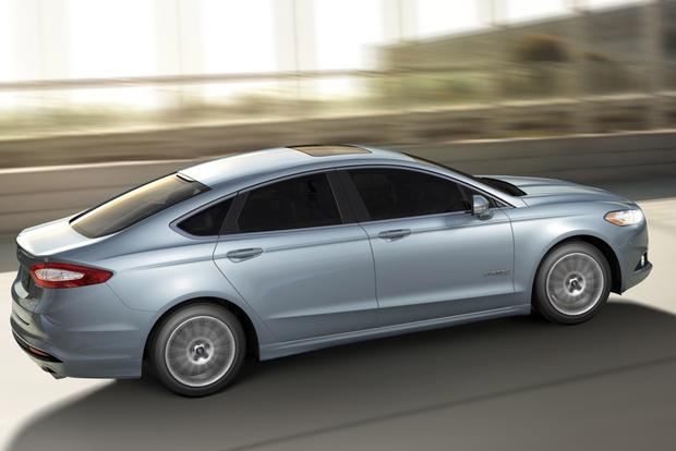 2014 Ford Fusion Hybrid & 2014 Ford Fusion Energi: New Car Review featured image large thumb1