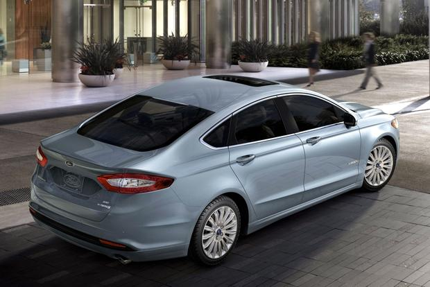 2014 Ford Fusion Hybrid & 2014 Ford Fusion Energi: New Car Review featured image large thumb2