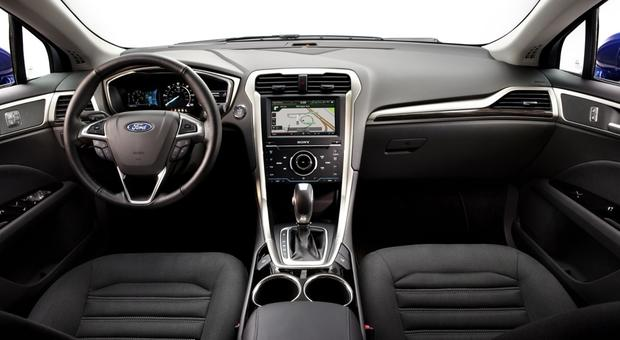 2014 Ford Fusion Hybrid & 2014 Ford Fusion Energi: New Car Review featured image large thumb3