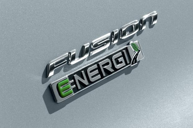 2014 Ford Fusion Hybrid & 2014 Ford Fusion Energi: New Car Review featured image large thumb5