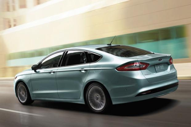 Design-ovation: 2014 Ford Fusion featured image large thumb1