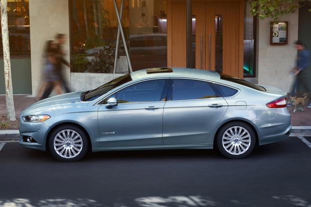 Design-ovation: 2014 Ford Fusion featured image large thumb2
