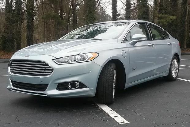 2014 Ford Fusion Energi: Commuter Car? featured image large thumb1