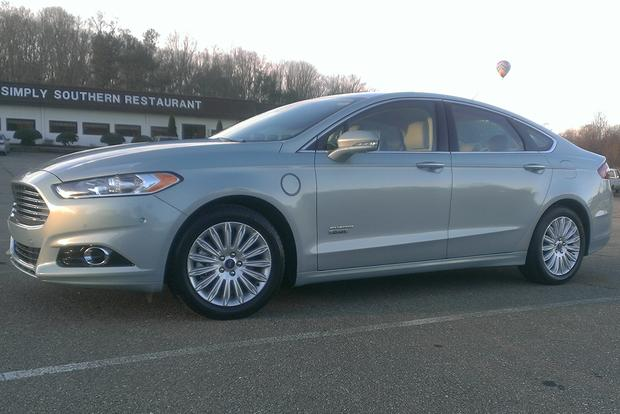 2014 Ford Fusion Energi: Everyday Practicality and MPG featured image large thumb5
