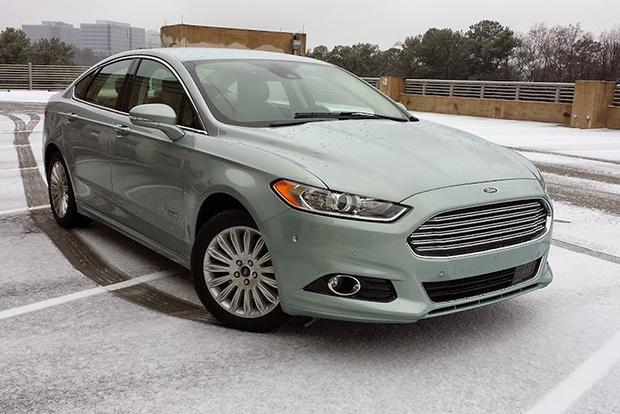 2014 Ford Fusion Energi: Surviving Winter featured image large thumb0