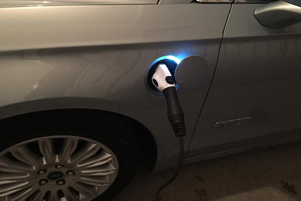 2014 Ford Fusion Energi: The Right Stuff? featured image large thumb1