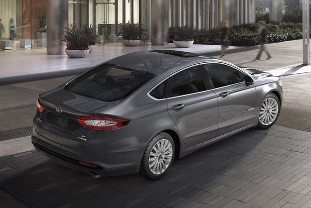 2015 Ford Fusion: New Car Review featured image large thumb1