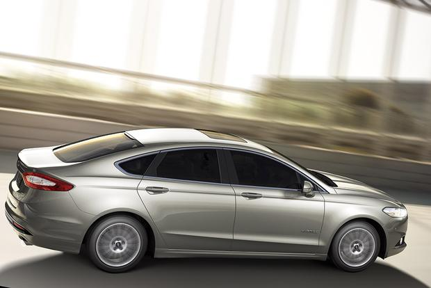 2015 Ford Fusion Hybrid  2015 Ford Fusion Energi New Car Review
