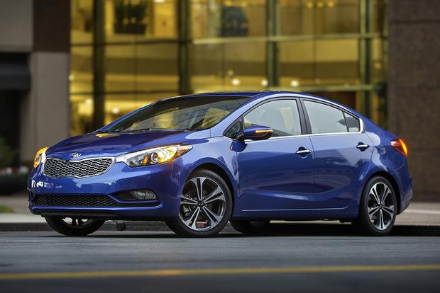 2016 Ford Focus vs. 2016 Kia Forte: Which Is Better? featured image large thumb0