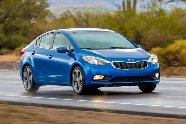 2016 Ford Focus vs. 2016 Kia Forte: Which Is Better? featured image large thumb5
