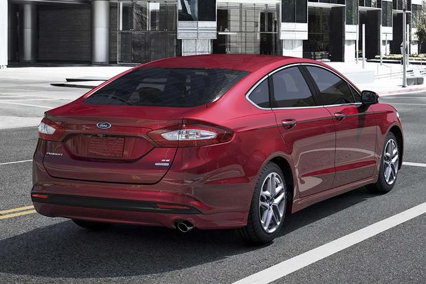 2016 Ford Fusion: New Car Review featured image large thumb1