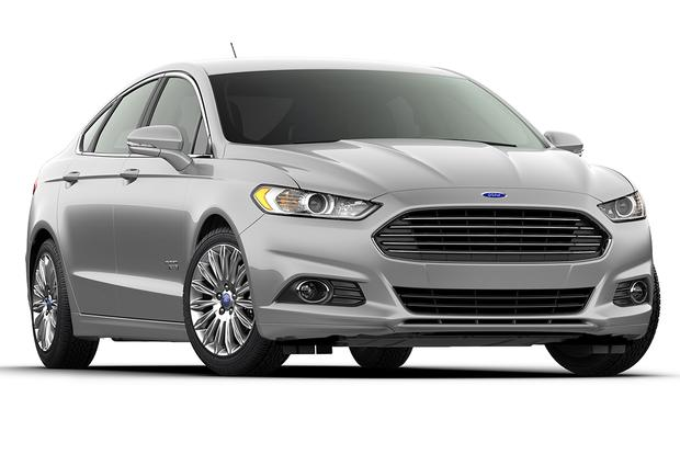 2016 vs. 2017 Ford Fusion Energi: What's the Difference? featured image large thumb3