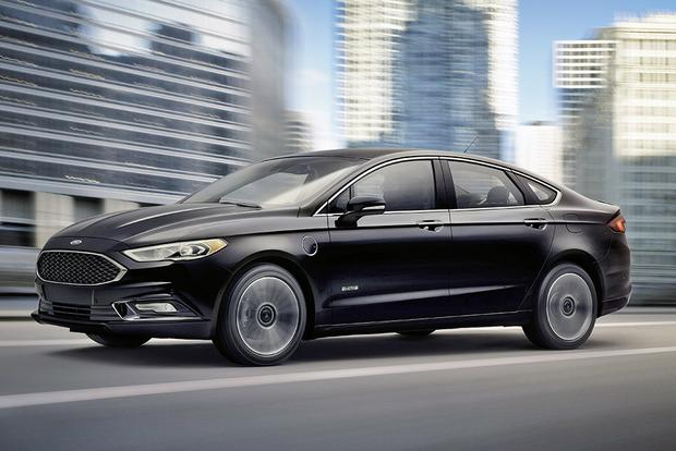 2016 vs. 2017 Ford Fusion Energi: What's the Difference?