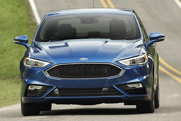 2017 Ford Fusion Energi: New Car Review featured image large thumb1