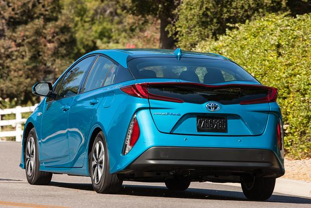 2017 Toyota Prius Prime vs. 2017 Ford Fusion Energi: Which Is Better? featured image large thumb1