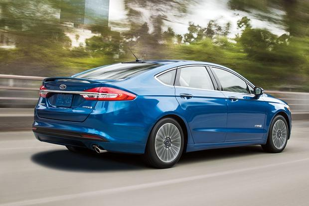 2017 Ford Fusion Hybrid: New Car Review