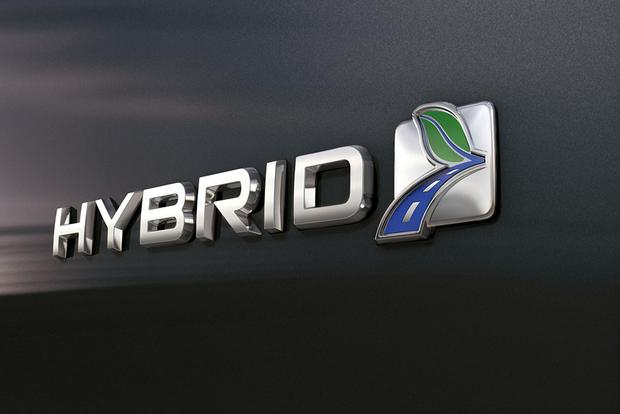 2018 Ford Fusion Hybrid: New Car Review featured image large thumb4