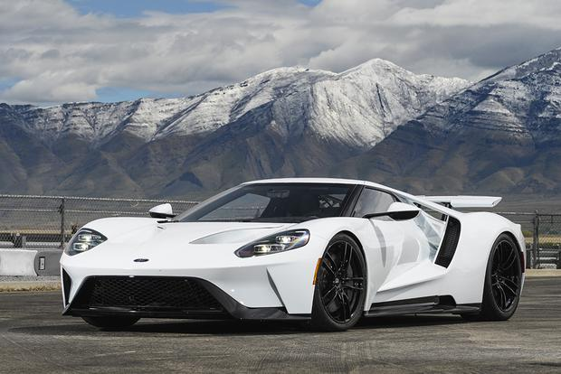 2017 Ford GT: Overview featured image large thumb1