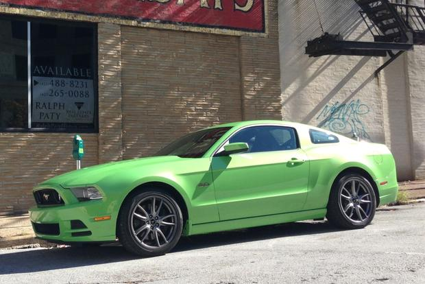 2014 ford mustang gt premium coupe real world review featured image large thumb0 - 2014 Ford Mustang Gt Black