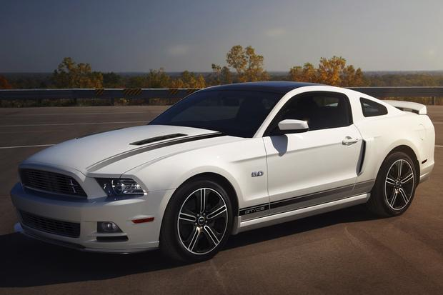 2014 Ford Mustang vs. 2014 Chevrolet Camaro: Which Is Better? featured image large thumb0