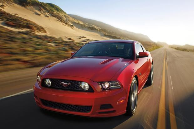 2014 vs. 2015 Ford Mustang: What's the Difference? featured image large thumb6