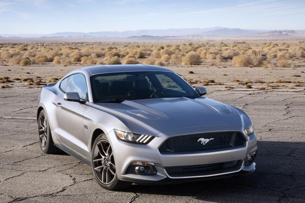 2014 vs. 2015 Ford Mustang: What's the Difference? featured image large thumb0