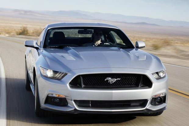 2014 vs. 2015 Ford Mustang: What's the Difference? featured image large thumb4