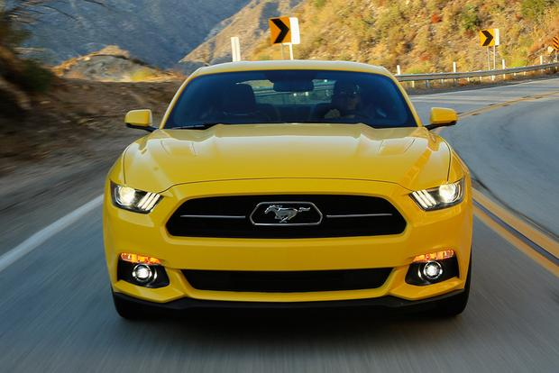 2015 ford mustang vs 2015 dodge challenger which is better featured image large