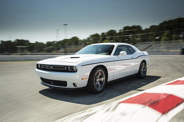 2015 dodge challenger which is better featured image large