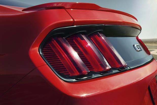 Leaner, Meaner, Greener 2015 Ford Mustang Debuts featured image large thumb0