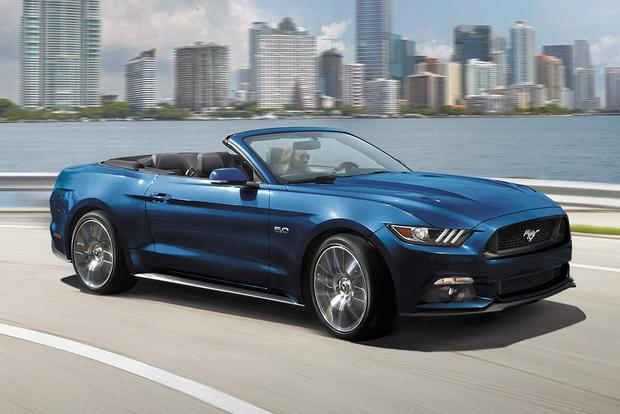 Ford Mustang Becomes Best-Selling Sports Car in the World featured image large thumb0