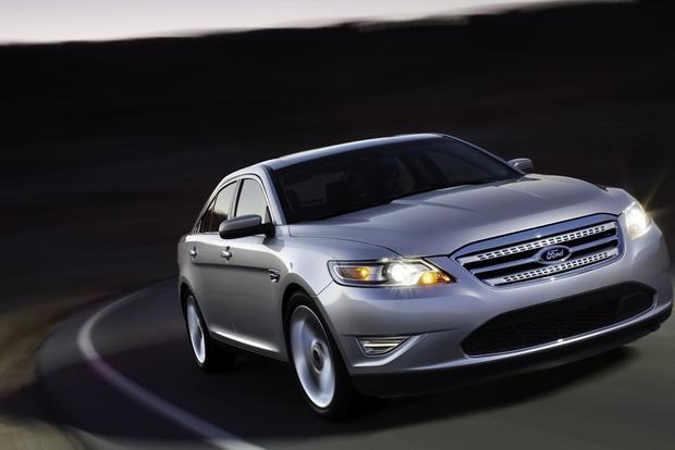 2010 Ford Taurus: OEM Image Gallery featured image large thumb2