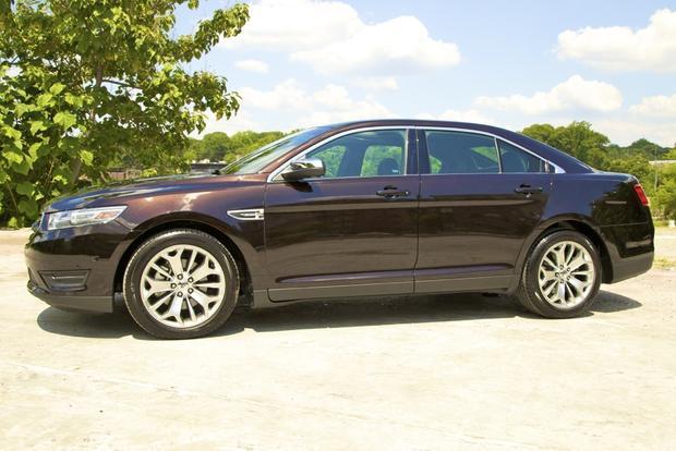 2013 Ford Taurus: OEM Image Gallery featured image large thumb1