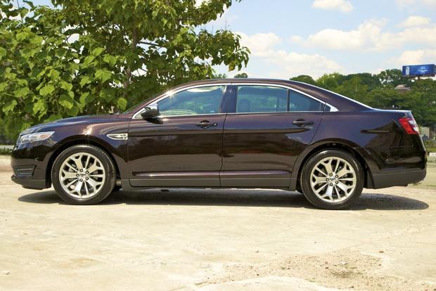 2013 Ford Taurus: OEM Image Gallery featured image large thumb3