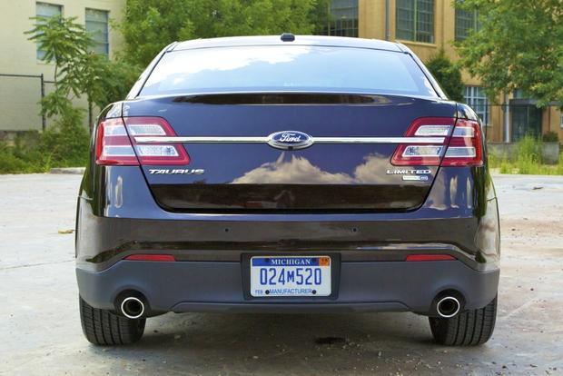 2013 Ford Taurus: OEM Image Gallery featured image large thumb5