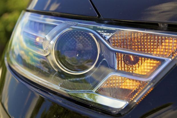 2013 Ford Taurus: OEM Image Gallery featured image large thumb16