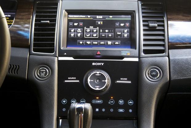 2013 Ford Taurus: OEM Image Gallery featured image large thumb24