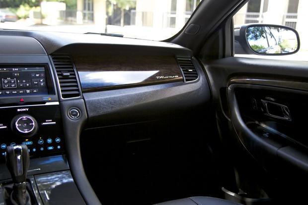 2013 Ford Taurus: OEM Image Gallery featured image large thumb26