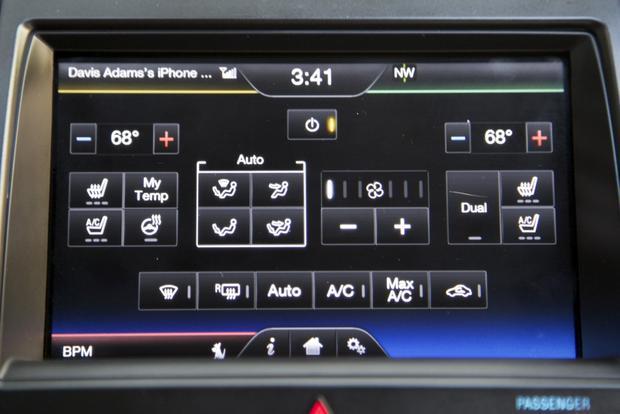 2013 Ford Taurus: OEM Image Gallery featured image large thumb32