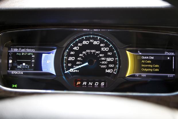 2013 Ford Taurus: OEM Image Gallery featured image large thumb33
