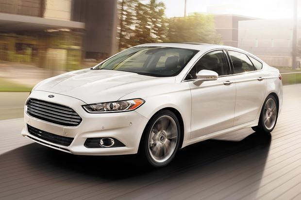 2015 Ford Taurus vs. 2015 Ford Fusion: What's the Difference?