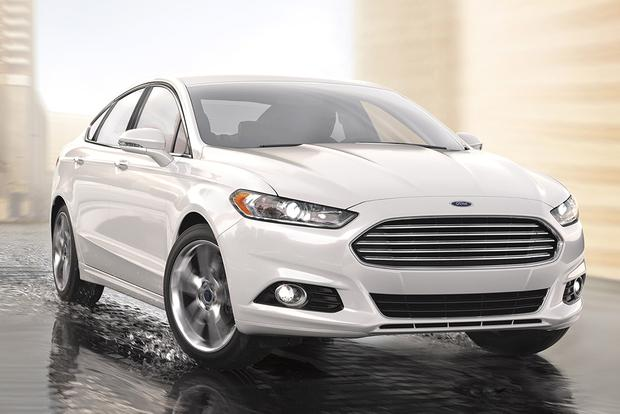 2015 Ford Taurus vs. 2015 Ford Fusion: What's the Difference? featured image large thumb10