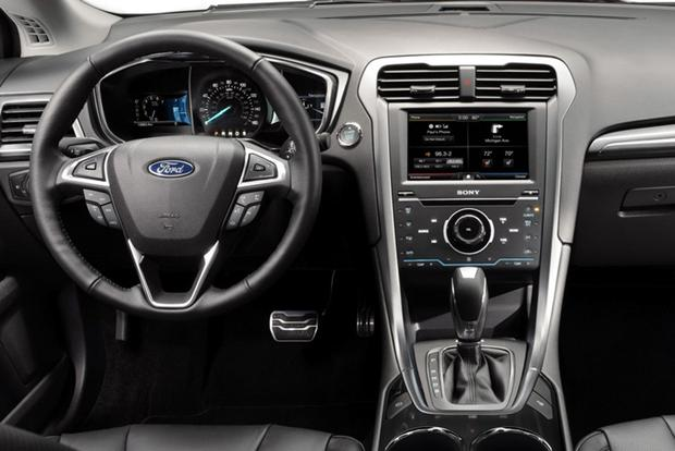 2015 Ford Taurus vs 2015 Ford Fusion Whats the Difference