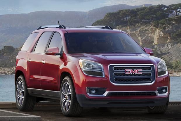 2015 GMC Acadia vs. 2015 Chevrolet Traverse: What's The Difference? featured image large thumb0