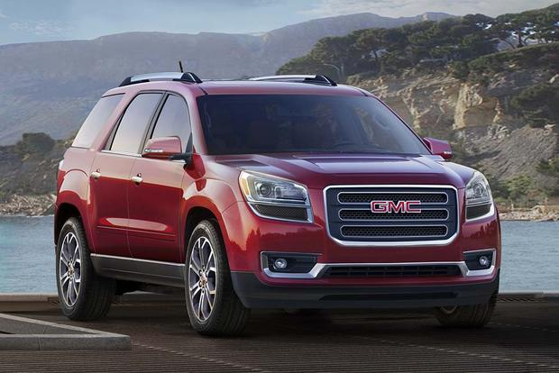 2016 vs. 2017 GMC Acadia: What's the Difference? featured image large thumb11