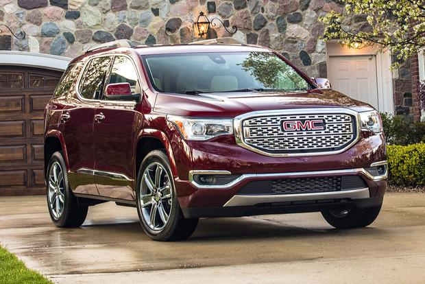 2016 vs. 2017 GMC Acadia: What's the Difference?