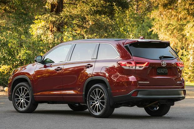 2017 GMC Acadia vs. 2017 Toyota Highlander: Which Is Better? featured image large thumb8