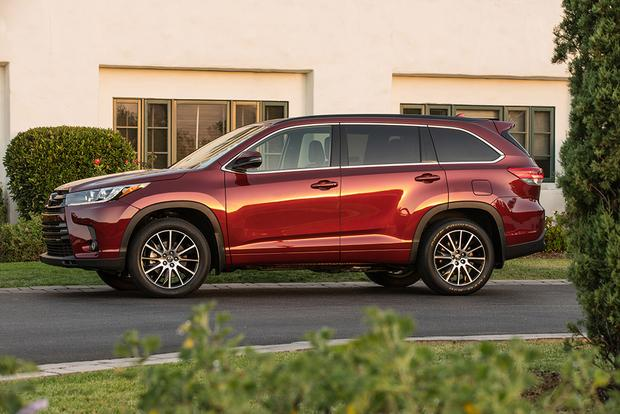 2017 GMC Acadia vs. 2017 Toyota Highlander: Which Is Better? featured image large thumb10