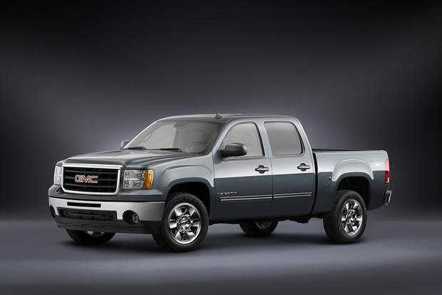 2010 GMC Sierra 1500: Used Car Review featured image large thumb3
