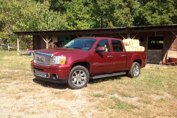 2013 GMC Sierra 1500 and Hybrid: New Car Review featured image large thumb1
